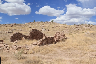 Abandoned home near the farming village of Ojo Caliente. Photo by Elizabeth Hoover