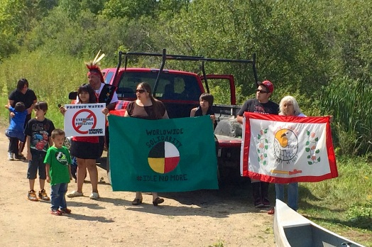 Supporters on Big Bear Landing at Big Rice Lake. Photo by Elizabeth Hoover