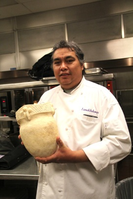 Arlie Doxtator, with his traditional Haudenosaunee pot. Photo by Elizabeth Hoover